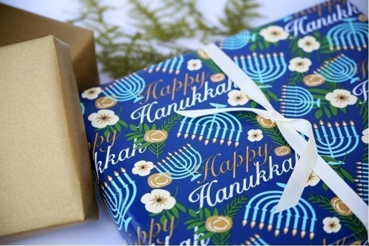 TOP SEVEN FREE HANUKKAH CARDS AND FESTIVE GIFT TAGS